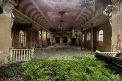 Der Rosa Ballsaal III