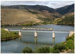 Arnozelo 21-03-15 (P.Soares) Tags: comboio comboios automotora automotoras diesel douro passageiros 592 linha linhas linhadodouro train trains tren ponte