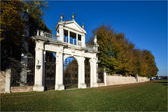 171101 villa pisani 930 (# andrea mometti | photographia) Tags: villa pisani stra colori autunno foglie rosso giallo mometti riviera brenta venezia