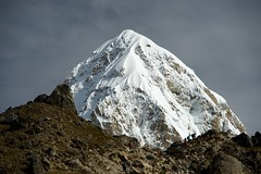 Mount Pumori (Kramskorner) Tags: mount everest base camp 2017 katmandu mountains himalayas pumori ama dablam snow capped peaks summit trek trekking hiking high altitude sony a7ii 24240mm landscape sunrise bw