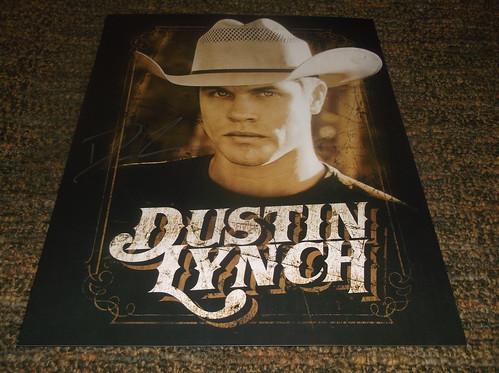 Dustin Lynch fan photo