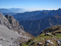 Čez Brinje (Damijan P.) Tags: hribi gore mountains hiking julijskealpe julianalps alpe alps gorenjska slovenija slovenia vrata šplevta prosenak jesen autumn