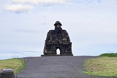 Statue of Bárður Snæfellsás (Bakuman3188) Tags: statue bárður snæfellsás arnarstapi statueofbárðursnæfellsás island iceland islandia islanti islande ísland islanda アイスランド 아이슬란드 ijsland islândia исландия 冰岛