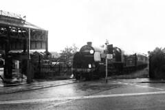 Overlord+50 : 777 + train arriving at So'ton E Docks, 4 June 1994 (Ian D Nolan) Tags: railway railtour dday southamptondocks 35mm epsonperfectionv750scanner lswr 777 sr sirlamiel 460z southamptonterminus retinaii