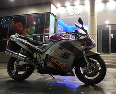 160 ..... (and then some) (roger.w800) Tags: bike motorbike motorcycle japan japanese suzuki suzukirf suzukirf900