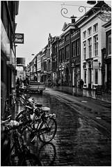 Groningen (Schnarp) Tags: groningen provinciegroningen stad binnenstad innenstadt city straat straatleven street streets streetlife strasse altstadt citycenter hdr pentaxk10d schnarp nederland netherlands holland niederlande paysbas europa europe blackwhite bw zwartwit zwart wit