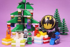 This is how I decorate my Christmas tree last year 😂And I am so excited for the upcoming 2017 Christmas ❤️ (@yslego on instagram) Tags: dccomics dc superheroes joker batman christmas lego yslego