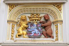 Armoiries. Façade du Greffe de Justice. Bruges (jonathanlaurent) Tags: d3200 nikon batiment belgique belgium bruggen bruges brugge justice greffe façade armoiries