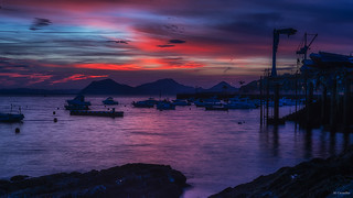 El puerto al amanecer