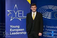 Kopie von DSC_7843 (Young European Leadership) Tags: rot