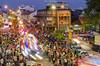 灯彩缤纷 (Marcus Lim @ WK) Tags: light colourful crowded street streetshooting streetart people car documentary photojournalism 人文摄影 building architecture nikon nikon1755 festival culture