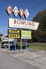 Cove Bowling Lanes, Great Barrington, MA (Dean Jeffrey) Tags: massachusetts greatbarrington bowling bowlingalley sign neon