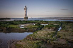 Perch Rock lighthouse. (foto.pro) Tags: perchrocklighthouse mersey river sea tide out liverpool docks