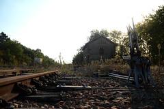 Gare de Airvault (à l'oeil de verre photographie) Tags: sncf train ferroviaire rail rails railroad railway station à loeil de verre photograph deuxsèvres 79600 nouvelleaquitaine àloeildeverrephotographie