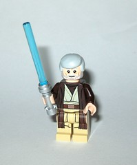 obi-wan kenobi - ben kenobi minifigure from lego 75173 1 star wars luke's landspeeder rogue one packaging 2017 a (tjparkside) Tags: ben obiwan obi wan kenobi lego 75173 1 751731 star wars 2017 lukes landspeeder luke skywalker tusken raider raiders msand person people tatooine c3po c 3po protocol droid droids womp rat rats minifigures minifigure mini fig figs figure figures new hope anh ep episode iv four 4 lightsaber lightsabers hilt gaffi stick