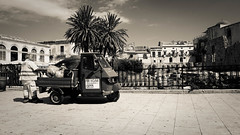 Oritigia_Working hard for a living (DiSorDerINaMirrOR) Tags: sicilia sicily street streetview streetmarket siracusa ortigia sony sonyalpha sonyalpha6000 south sony6000 italy italia italien summer blackwhite bnw work working