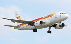 'Visón Europeo' EC-LEI Airbus A319 111 Iberia (Dave Russell (1.3 million views thanks)) Tags: alliance oneworld espania lineas vison eurpeo iberia airlines spain ib ibe airline eclei lei airbus a319 319 100 111 aircraft aeroplane airplane airliner transport vehicle jetliner jet air liner fly flying flight aero aviation approach landing runway 27r 27 right london heathrow airport outdoor canon