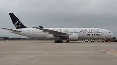N794UA United Airlines Boeing 777-222 (geoffieb) Tags: boeing777 boeing777200 boeing triple7 n791ua unitedairlines united ua ual londonheathrowairport egll londonheathrowairportlhr star staralliance n794ua 2894