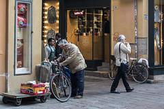 "Bologna (Italy) -  ""Il quadrilatero"" - Via Clavature (Massimo Battesini) Tags: bologna emiliaromagna italia it nationalgeographic worldtrekker worldcitycenters olympusem5markii olympus em5markii panasoniclumixgxvario35100f28 panasonic lumix panasonic35100mmf28 market marché mercato bazar bazaar bicicletta vélo bicycle biciclettes bicicletas biciclette bike bikes centrostorico zentrum centreville centromedievale centremédiéval medievalcenter centromedieval città ville city stadt town ciudad photographiederue streetphotography fotografiaderua photosdelavie escenacallejera ilquadrilatero italien italy italie viaclavature europe europa"