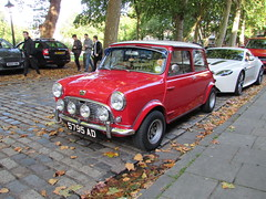 Austin Mini Seven 5795AD (Andrew 2.8i) Tags: queen queens square bristol breakfast club show meet classic car cars classics avenue drivers vehicle bmc bl leyland british mk 1 mark mk1 7 850 1000 seven mini austin