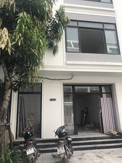 Shophouse Vinhome Gardenia Hàm Nghi ô góc 93m2 x 5T cho thuê giá 25tr