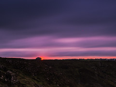 When the sun rises... (davYd&s4rah) Tags: sun dusk sunrise cornwall kynancecove lizardpoint beautiful sonnenaufgang soleil clouds morning landscape lonely olympus em10markii m1240mm f28 olympusm1240mmf28 longtime langzeitbelichtung exposure britain uk coast
