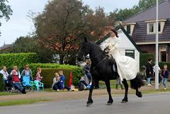 Not Lady Godiva (Davydutchy) Tags: nijhoarne nieuwehorne âldhoarne oudehorne fryslân friesland frisia frise nederland netherlands niederlande paysbas flaeijelfeest flaeijel flaeyel feest festival village feast fest dorpsfeest dorffest optocht parade umzug goodolddays backintime hynder paard horse pferd cheval hest حصان caballo cavalo лошадь frisian september 2017