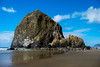 Haystack Rocks, Cannon Beach, Oregon, USA (takasphoto.com) Tags: apsc america cannonbeach eeuu estadosunidos fotografíadepaisaje fuji fujixt1 fujixt1fujifilm fujifilm fujinon fujinonlensxf18135mmf3556rlmoiswr fujinonxf18135mmf3556rlmoiswr landscape landscapephotography landschaftsfotografie lens mar mare mer mirrorless mirrorlesscamera nature noroestepacífico noroestedelpacífico northamerica ocean oceansea oceano oregon outdoor pnw pacificnorthwest pacificocean paisaje pazifischernordwesten photography rock rocks rockymountains sea seascape travel travelphotography traveling travels usa unitedstates unitedstatesofamerica viaje water westcoast wybrzeżepółnocnozachodnie xmount xt1 xtranscmosii xtransii xf18135 пацифичкисеверозапад アメリカ合衆国 フジノン フジフィルム ミラーレス 北米 太平洋岸北西部 海 米国 美国 自然 西海岸 風景 風景写真 태평양북서부