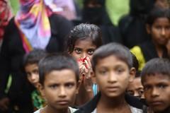 Tell me, who did I harm ? (N A Y E E M) Tags: kids children rohingya refugee candid portrait street refugeecamp coxsbazaar bangladesh carwindow genocide exodus ethniccleansing rohingyagenocide saverohingya crimesagainsthumanity
