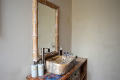 Salle de bain au Desak Putu Putera Cottages