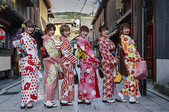 Six Little Maids Revealed (andyrousephotography) Tags: japan kyoto gion district streets geisha kimono costume dress fashion japanese girls shopping chanceencounter andyrouse canon eos 5d3 5dmkiii ef24105mmf4l