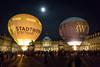 Stuttgart City leuchtet 2017 / Lange Einkaufsnacht - Heißluftballone (chrisar676) Tags: badenwürttemberg ballon canon canonef24105f4lisusm canoneos5dmarkiii deutschland eos europa europe germany heisluftballon heisluftballone highiso mond nacht nachtfotografie neuesschloss rauschen scityleuchtet schlossplatz stuttgart stuttgartcityleuchtet balloons graining hotairballoon hotairballoons night nightphotography