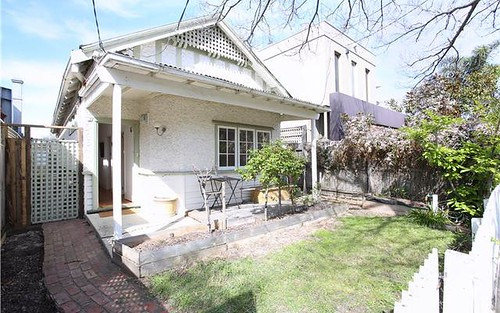 17 Thackeray St, Elwood VIC 3184