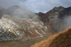 petite balade au Col du Grand St-Bernard (bulbocode909) Tags: valais suisse italie coldugrandstbernard montagnes nature automne brume frontières