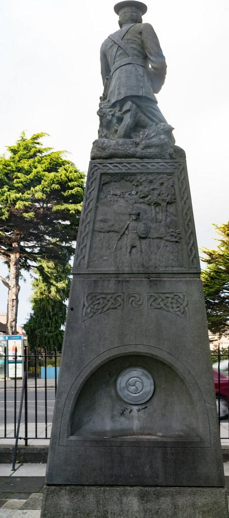 THE IRISH VOLUNTEER MONUMENT IN PHIBSBORO [PHOTOGRAPHED 2 OCTOBER 2017]-133013