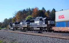 Westbound Intermodal. Cresson, PA (bobchesarek) Tags: trains prr tracks intermodal freight railfan fallcolors fallleaves pennsylvania cressonpa westbound