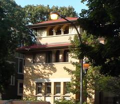 Frank Lloyd Wright Heller House Hyde Park Chicago (MindsiMedia 2012) Tags: franklloydwright hellerhouse chicagoarchitecture prairieschool hydepark 5132swoodlawnave chicago chicagolandmark nationalregisterofhistoricplaces