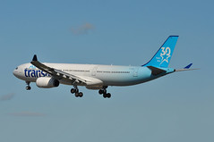 TS0522 YYZ-LGW (A380spotter) Tags: approach arrival landing finals shortfinals threshold airbus a330 300 cgtso bhyd vrhyd ship003 30years 30ans 30th anniversary anniversaire 2017 airtransat tsc ts ts0522 yyzlgw runway26l 26l london gatwick egkk lgw