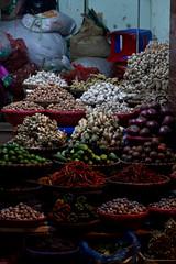 Veggies (Andi [アンデイ]) Tags: vietnam hanoi street streetphotography streetshots seasia southeastasia travel travelphotography canon sigmalens sigma buttons corner