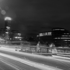 London Long Exposures, October 2017 (Etienne Gaboreau) Tags: london londres england uk united kingdom thames tamise river fleuve bridge tower towerbridge long exposure night nightshot millemium southbank shard building light nighlight lift dixie queen cruise dixiequeen boat bateau tide low longue pose tripod filtre nd nd1000 bw blackandwhite