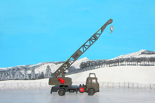 Dinky Toys Model No. 970 Jones Fleetmaster Cantilever Crane 1973 Restoration And Conversion To Military Style : Diorama Winter Scenery - 33 Of 36
