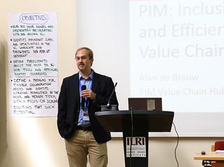Alan de Brauw from IPFRI  in his presentation