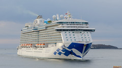 Regal Princess, St-John, NB, Canada - 3020 (rivai56) Tags: saintjohn newbrunswick canada ca regalprincesslanuit stjohn nb en mer du majestueux bateau de croisière