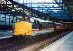37431 at Crewe 05/06/98. (chrisrowe37419) Tags: 37431 crewe 050698 1v92 2138 cardiffcentral