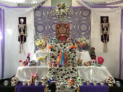Celebrating DOD (kimbar/Thanks for 3 million views!) Tags: dayofthedead santafe newmexico internationalfolkartmuseum museum display celebration
