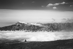 La mer et l'enfant (photofabulation) Tags: mer sea enfant paysage landscape montagnes mountains blackandwhite bw nuages clouds ciel sky valais suisse switzerland