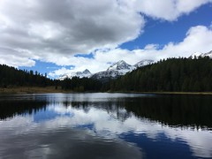 Lej da Staz (Iris_14) Tags: lejdastaz stazersee pontresina stmoritz oberengadin engiadina graubünden grisons reflet reflection ciel sky clouds nuages suisse schweiz switzerland