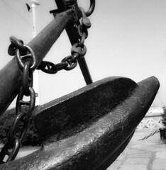 Molecole d'acciaio, pistone rabbia, guerra lampo e poesia. (mikele.nicoletti) Tags: rolleiflexplanar35f ilfordfp4 selfdeveloping homemadedeveloping kodakd7611 scanfromnegativefilm epsonv600scan medioformato mediumformat 6x6 film blackwhite biancoenero ibeliveinfilm ancona anchor wwii francescodegregori