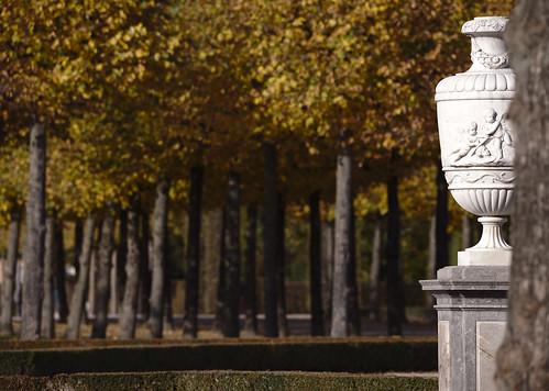 Weltzeitvase im Herbst