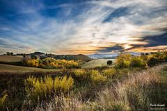 La mia pace (Danilo Agnaioli) Tags: tramonto colline umbria italia perugia autunno canon6d canon1740 giallo verde alberi